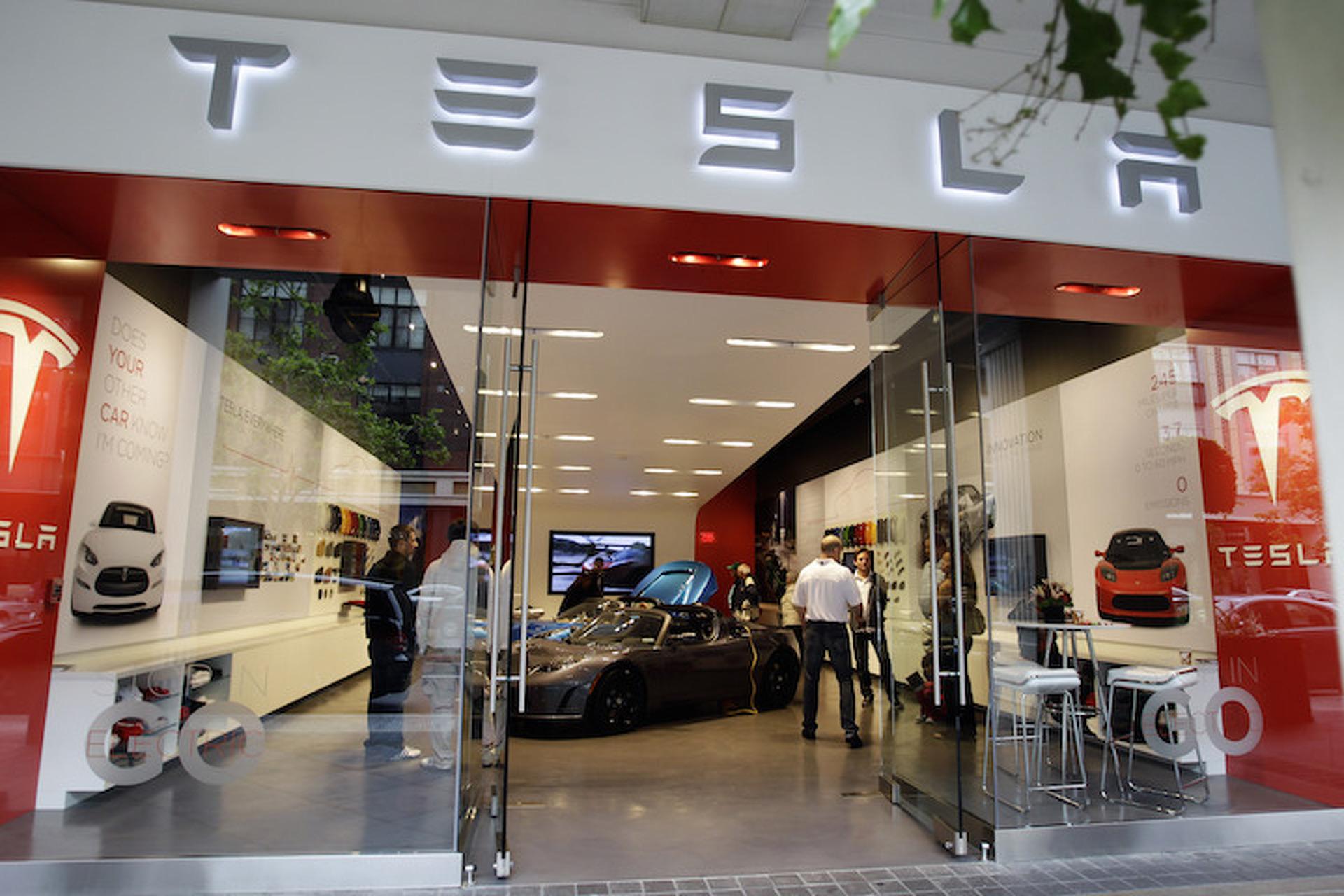 Tesla Loses $4,000 on Every Vehicle It Sells