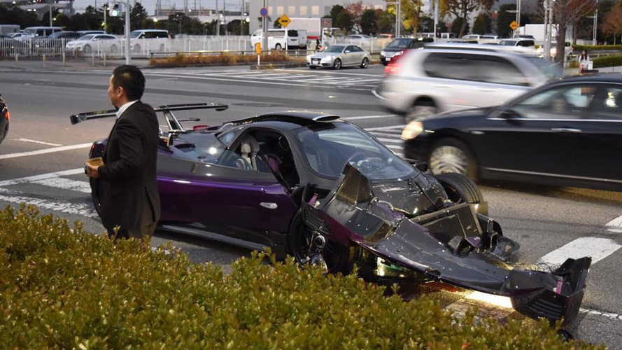 Pagani Zonda ZoZo and Maybach collide in Japan