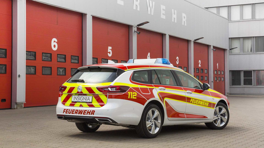 Opel Insignia Sports Tourer and Vivaro rescue vehicles
