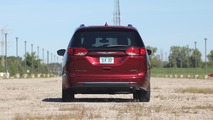 2017 Chrysler Pacifica Limited Review
