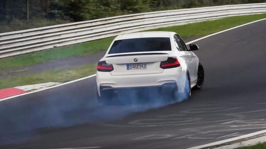 VIDÉO - Une BMW M240i tout en drifts sur le Ring