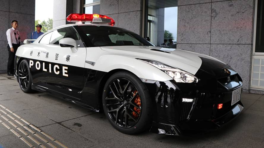 [Image: nissan-gt-r-police-car-in-japan.jpg]
