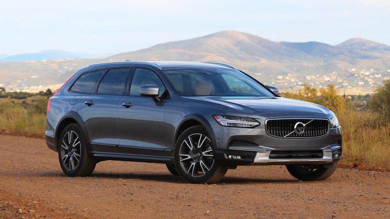 2017 Volvo V90 Cross Country: Review