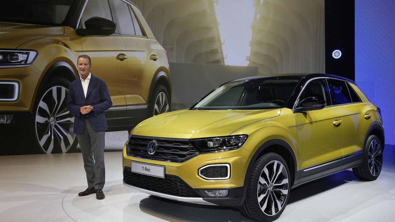 2018 vw t roc gets its 15 minutes of fame in official videos. Black Bedroom Furniture Sets. Home Design Ideas