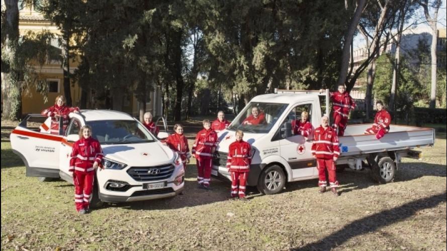 Hyundai regala cinque mezzi alla Croce Rossa Italiana