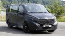 2014 Mercedes Viano spy photo 10.7.2013