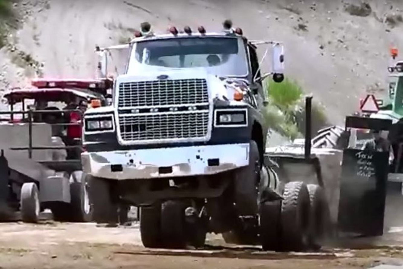 Watch These Big Rigs Pull Incredible Wheelies