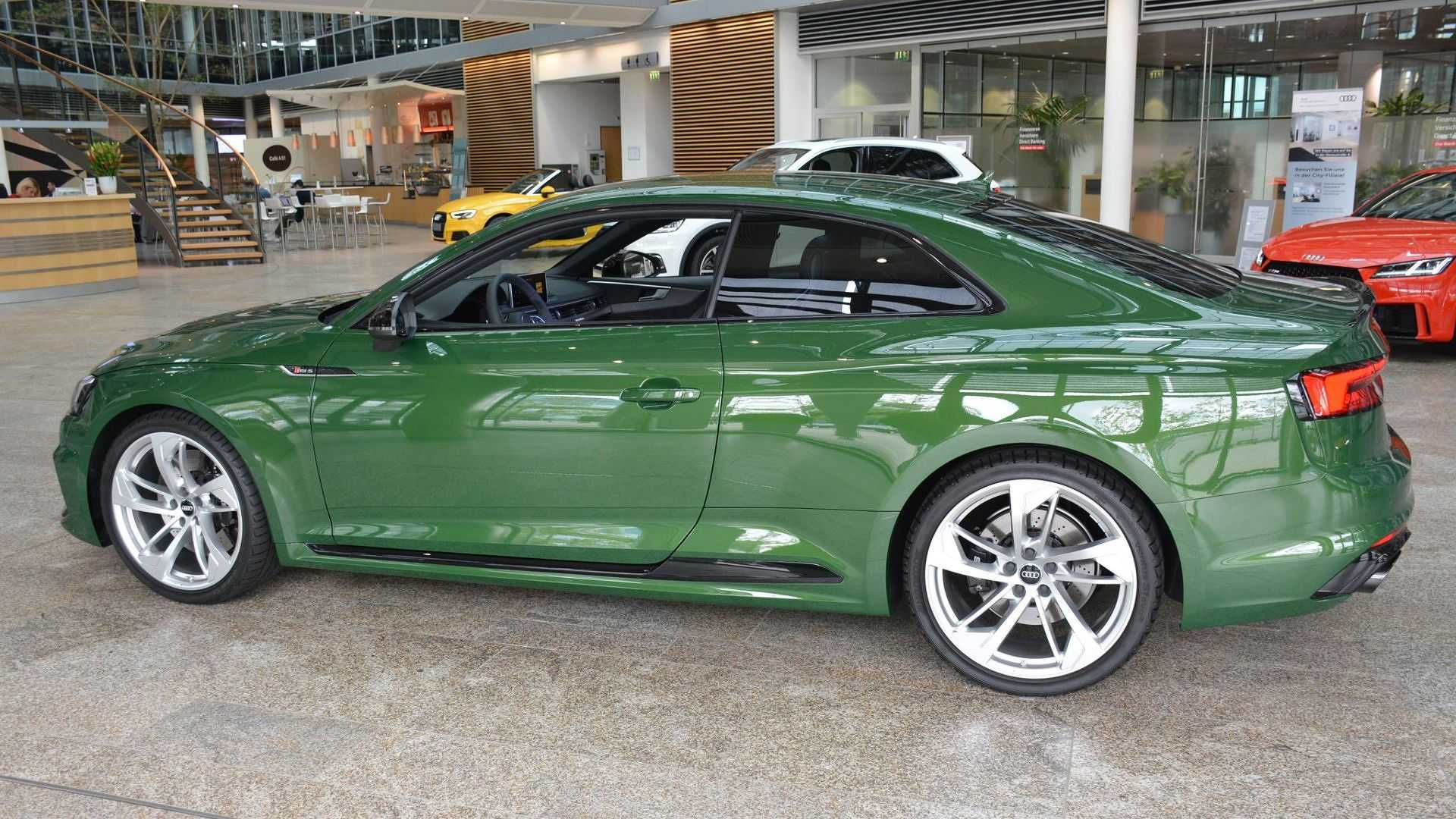 Green Audi Rs5 Is So Unusual They Immediately Put It In A