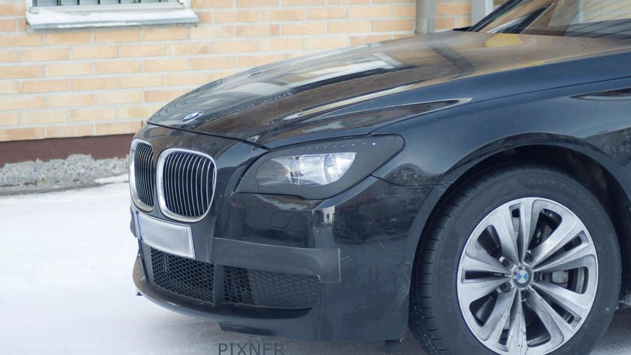 Facelifted BMW 7-series caught with M Sport Package