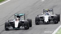 Lewis Hamilton, Mercedes AMG F1 W07 Hybrid and Valtteri Bottas, Williams FW38 battle for position