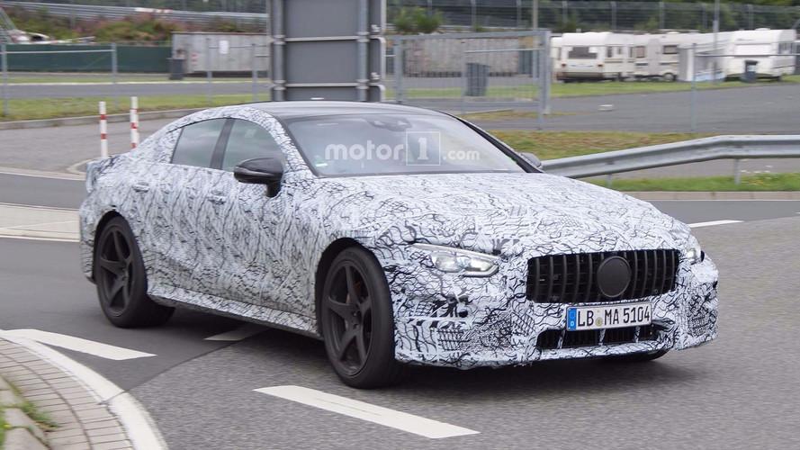 Dört kapılı Mercedes-AMG GT yine objektiflere yakalandı