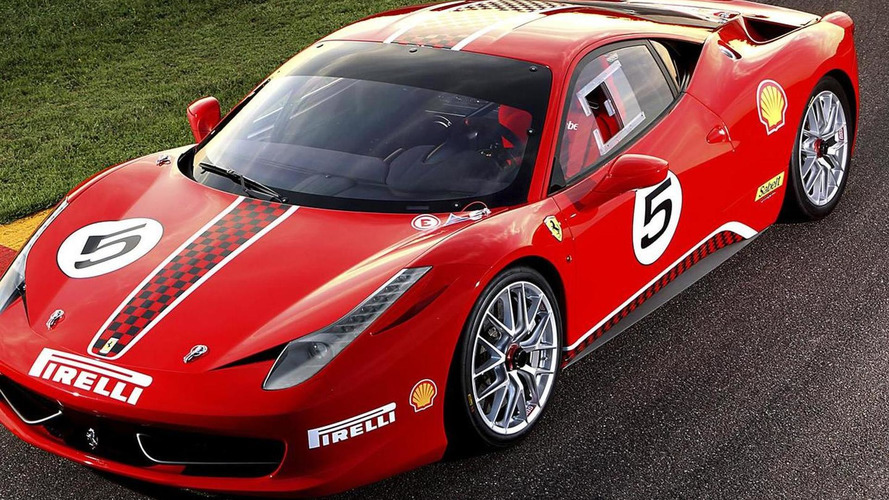 Ferrari 458 Italia Challenge on the track at Monza [video]