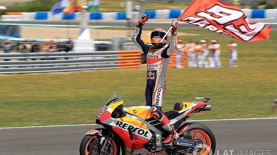 MotoGP: Márquez vê queda de Lorenzo, Dovi e Pedrosa e vence em Jerez