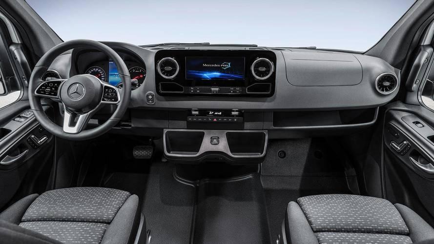 PHOTOS – Voici l'habitacle du nouveau Mercedes-Benz Sprinter