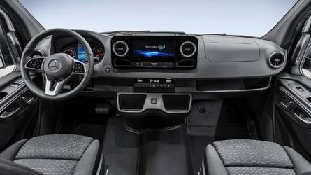 Novo Mercedes Sprinter 2018 mostra painel mais equipado que de muito sedã