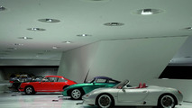 """The exhibition: The concept cars theme shows amongst others the concept car """"Boxster"""", 1992 (in front)"""