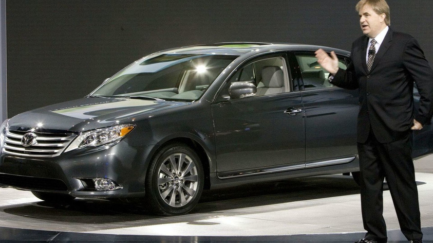 2011 Toyota Avalon Facelift Unveiled in Chicago