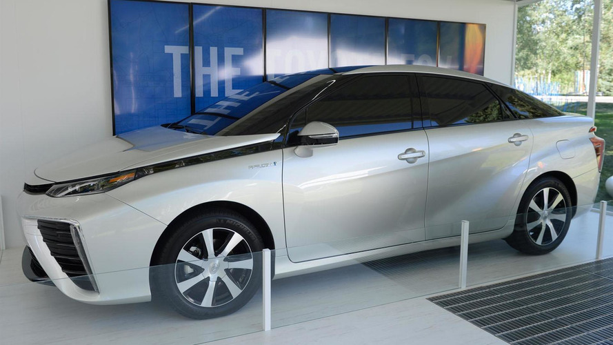 2015 Toyota FCV revealed at Aspen Ideas Festival