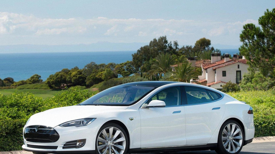 Tesla's sales target for Model S exceeded, 40 kWh battery pack axed