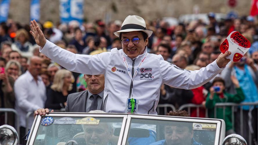 """Jackie Chan comemora vitória em Le Mans: """"Parece um Oscar"""""""