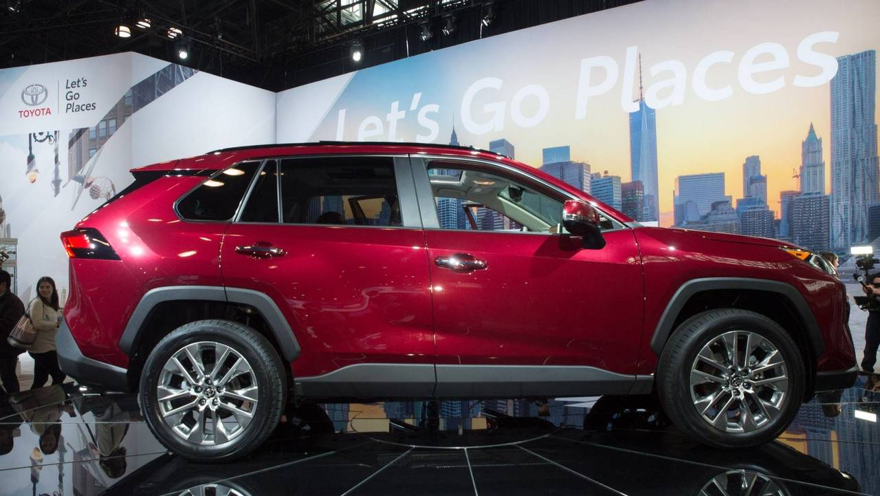 2019 toyota rav4 new york auto show photo. Black Bedroom Furniture Sets. Home Design Ideas