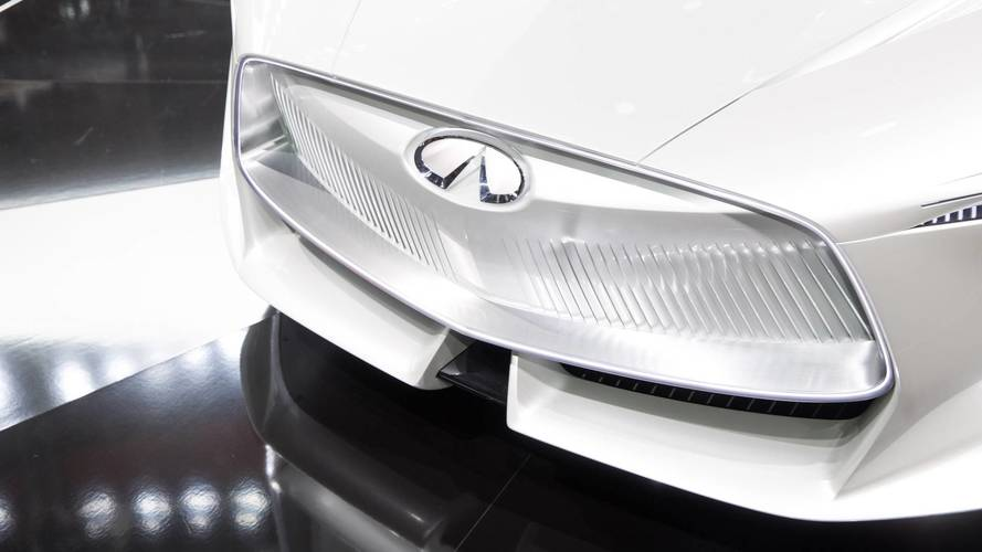 Infiniti vise une autonomie de 500 km en électrique