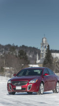Buick shows off the new all-wheel drive system in the 2014 Regal [video]