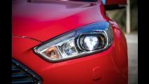 Teste CARPLACE: novo Focus reaquece duelo com o Golf