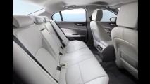 Previsto para o Brasil, Jaguar XE começa a ser produzido no Reino Unido