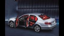 Mercedes E 250 blindado de fábrica é lançado por R$ 339,9 mil