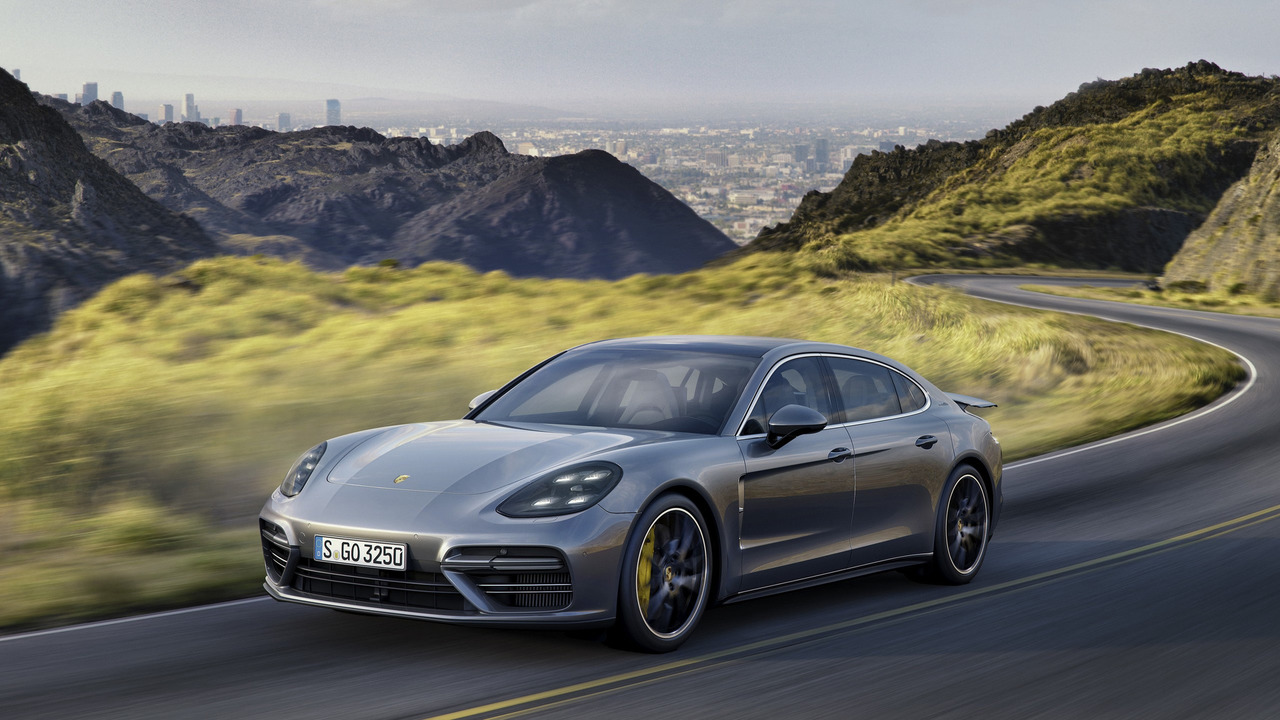 2017 Porsche Panamera Executive