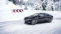Dört tekerlekten çekişli 2017 Opel Insignia Grand Sport