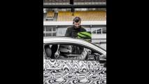 Mercedes-AMG C63 Coupe surge em novas imagens antes de estreia