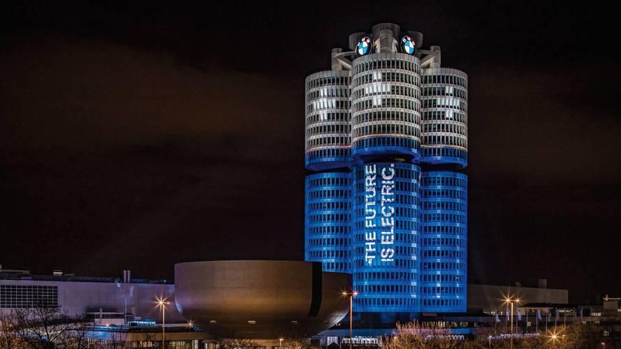 Akkumulátorrá változott a BMW 99 méter magas müncheni központja
