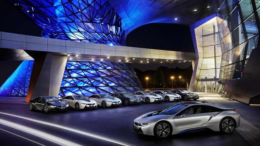 BMW delivers the first i8s, beats Audi to the laser light punch
