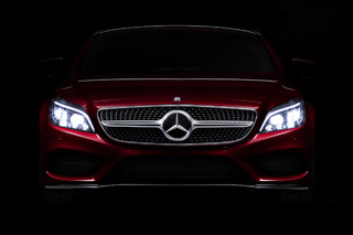 The Headlights on the 2015 CLS are Smarter than Most Cars