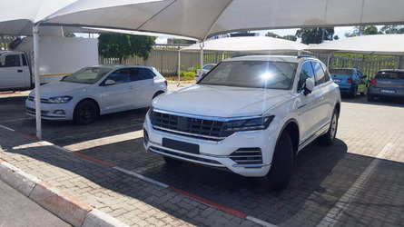 2018 Volkswagen Touareg kamuflajsız yakalandı!