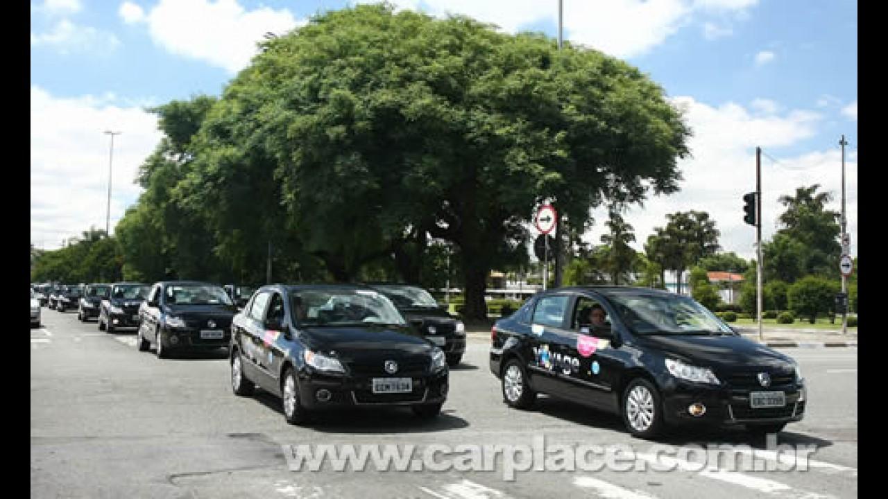 Vale tudo: Volkswagen faz até carreata para promover o sedan Voyage em SP