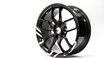 BAC Hybrid Carbon Composite wheel