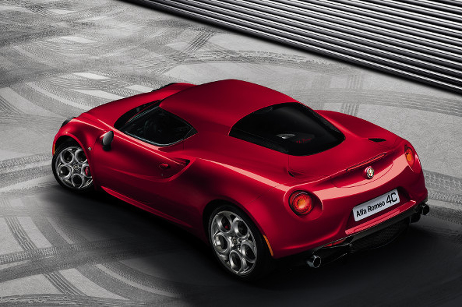 Alfa Romeo 4C Unveiled, Coming Stateside!