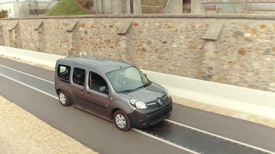 Renault'nun deneysel yolu EV'leri hareket hâlinde şarj edecek