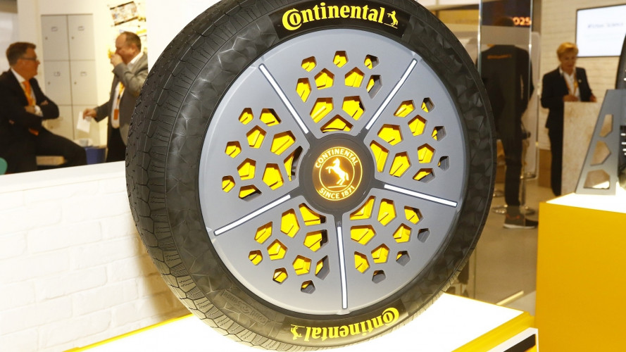 Continental ContiAdapt, il pneumatico dalla superficie a larghezza variabile