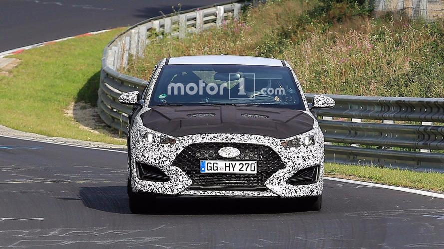 New Hyundai Veloster spy photos