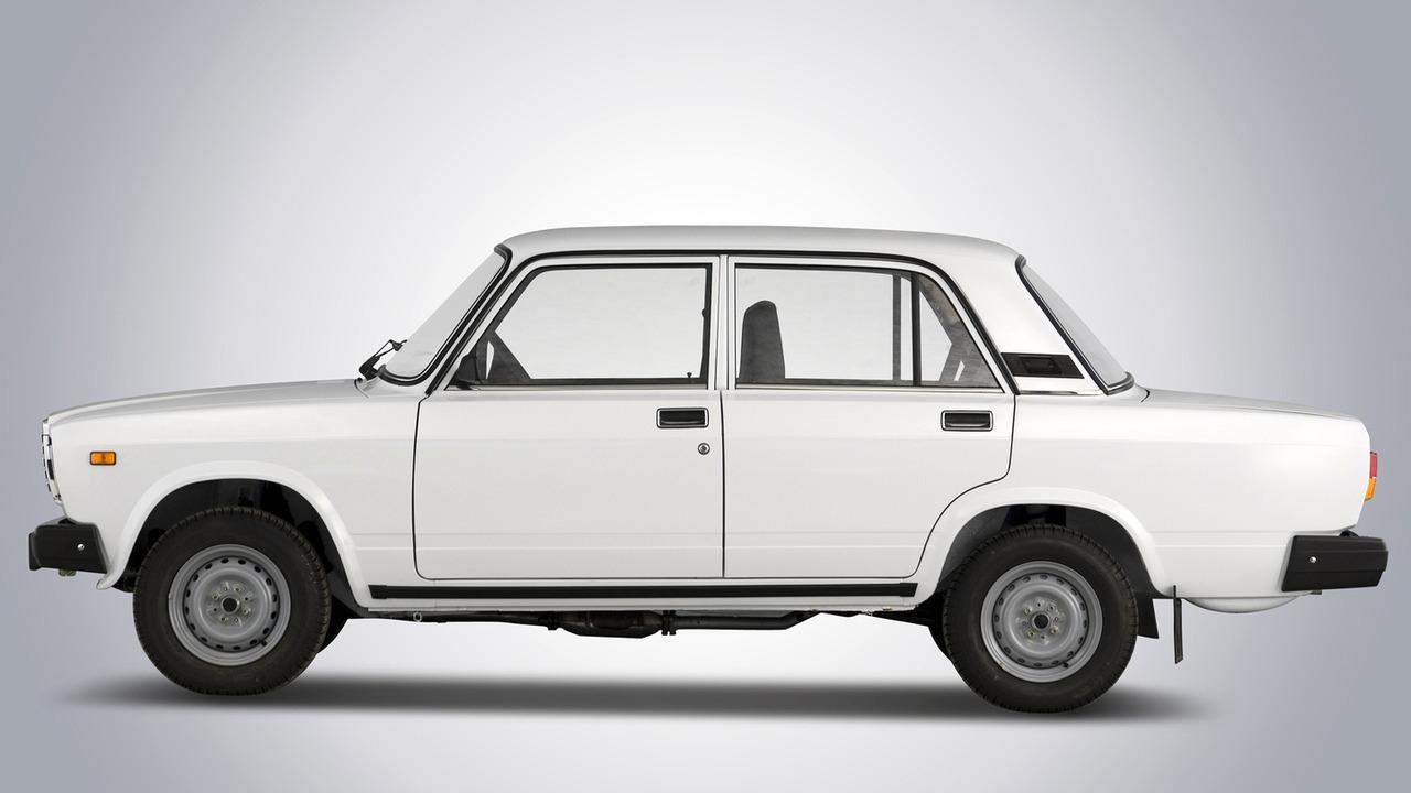 Classic Ads: 1980 Lada Model Range