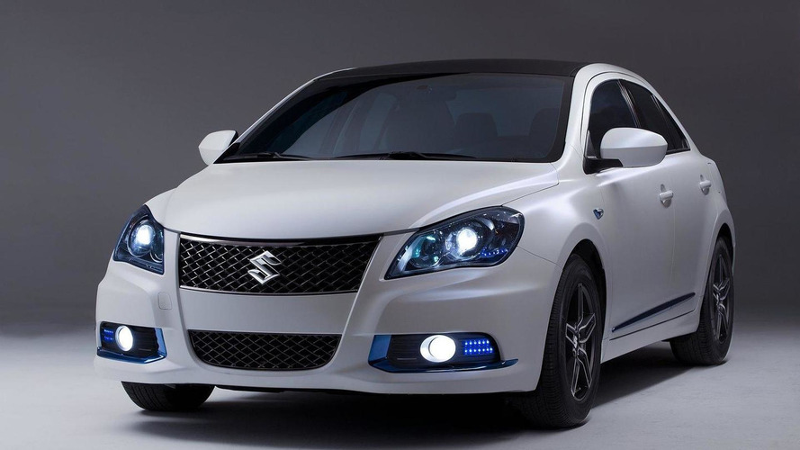 Suzuki debuts Kizashi Apex and EcoCharge concepts in New York