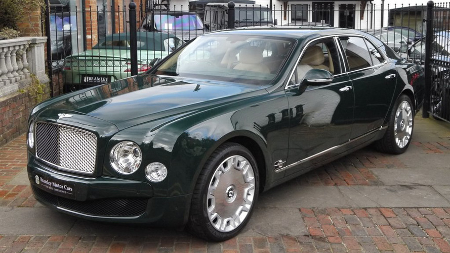 Bentley Mulsanne owned by Queen Elizabeth II (new)
