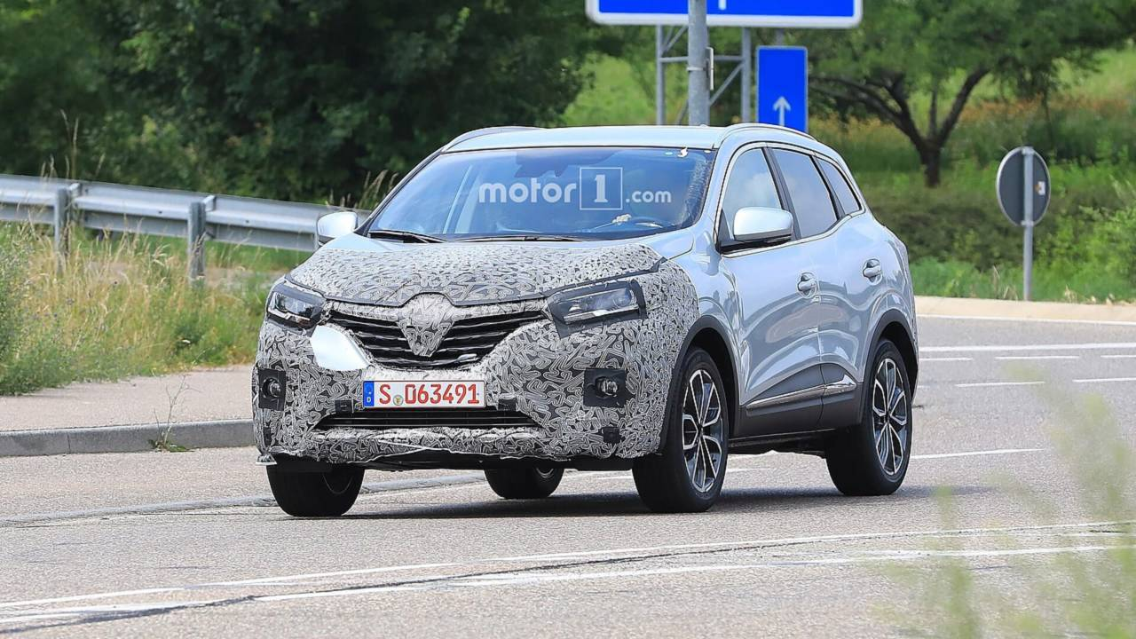 2019 renault kadjar caught hiding mild facelift. Black Bedroom Furniture Sets. Home Design Ideas