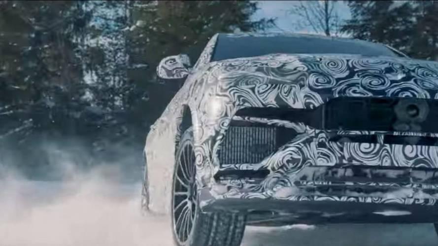 VIDÉO - Le Lamborghini Urus s'amuse sur la neige