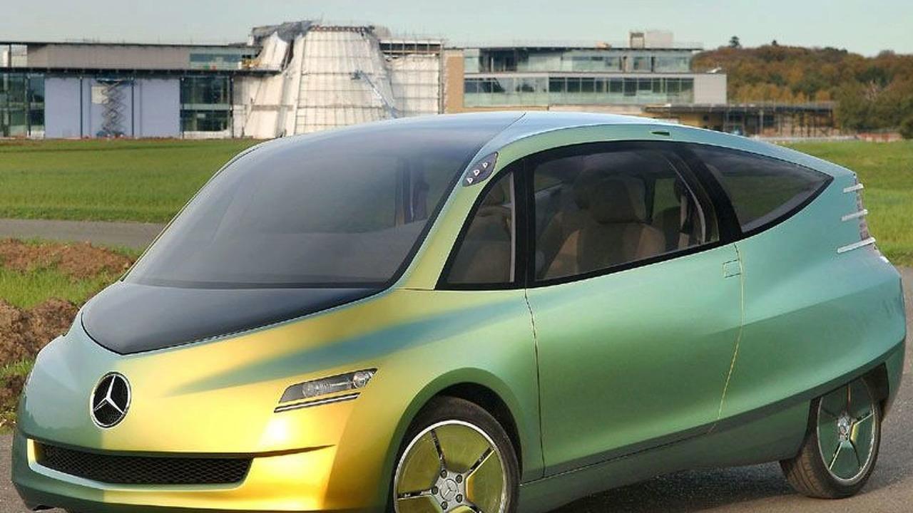 Mercedes-Benz Bionic Car First Lap