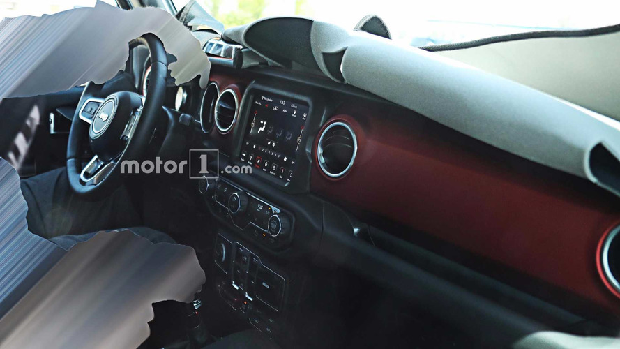 2018 Jeep Wrangler's Interior Fully Revealed In New Spy Photos